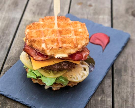 Le Waff'Burger, le burger revisité par Waffle Street à Lille